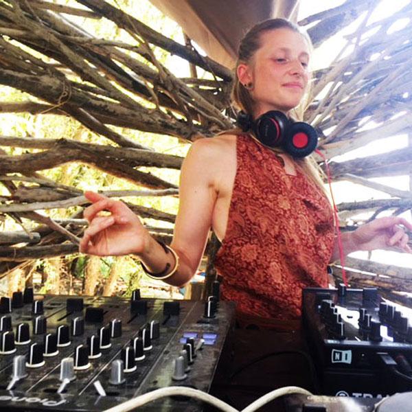 Solar-Stage–DJ-Druantia—kva-kva